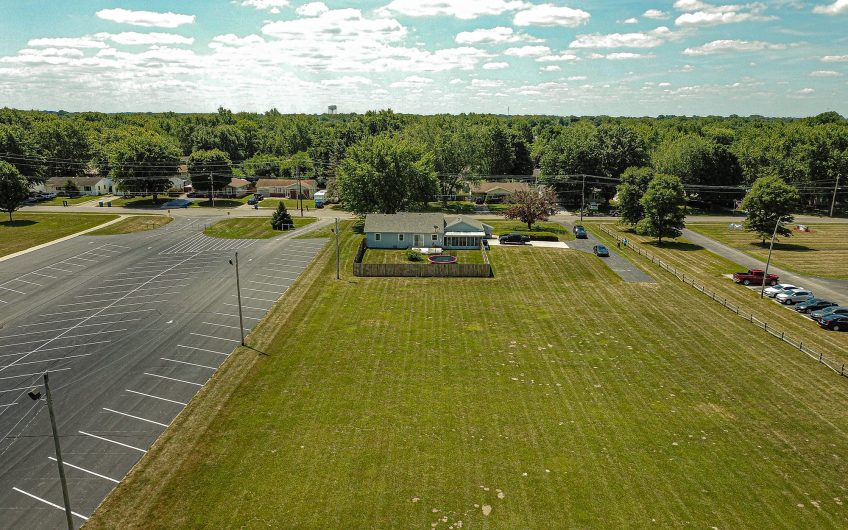 Gas City: 2.63 Acres, Updated Ranch on a Full Basement